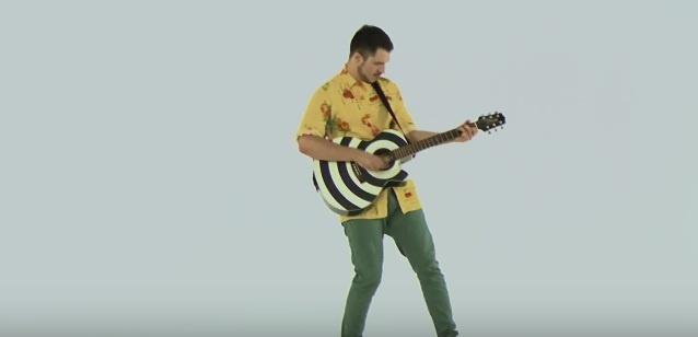 Filip Dizdar predstavlja novu ljetnu pjesmu