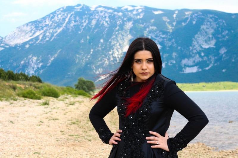 Bajkoviti spot za novu pjesmu Ilme Karahmet, mlade pjevačice koja je na audiciji bez riječi ostavila članove žirija X Factora