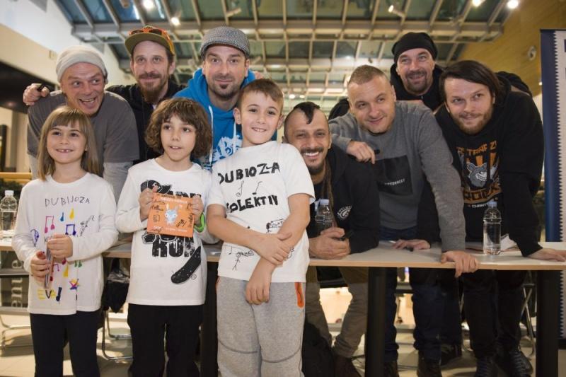 Dubioza kolektiv proslavila izlazak novog albuma i pozvala na sutrašnji koncert u Arenu Zagreb
