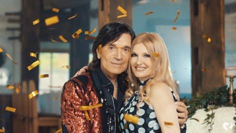 "Jasmin Stavros i Helena Blagne predstavljaju novi singl ""Dajem brdo zlata"""