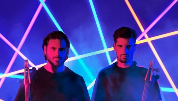 "2CELLOS 19. listopada objavljuju novi album ""Let There Be Cello"""