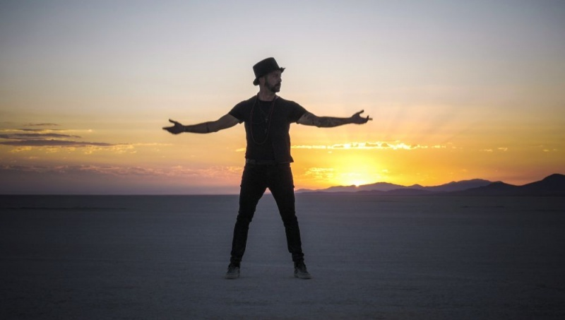 Matteo Cetinski snimio spot u pustinji Black Rock Desert