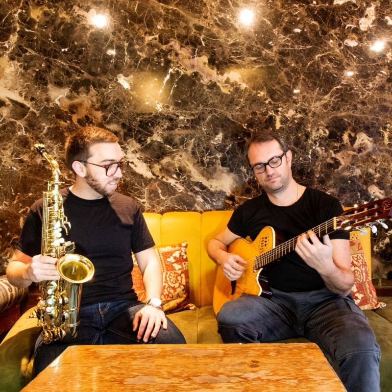 Makedonski glazbeni virtuozi Papazz i Grozdanovski, predstavljaju svoju prvu autorsku kompoziciju