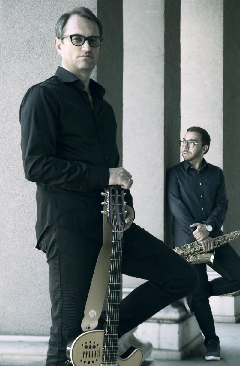 "Makedonski glazbeni virtuozi Goran Papazz i Tanče Grozdanovski, predstavljaju novi singl ""Neli bevme…""!"