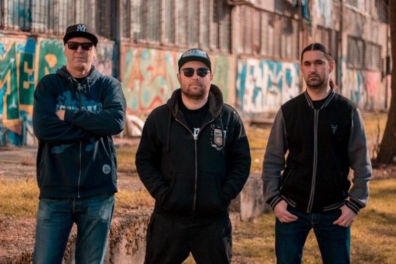 """Novim singlom """"Španac"""", rapcore bend Urban Instinkt, staje na kraj šupljim političarskim pričama! Pogledajte video!"""
