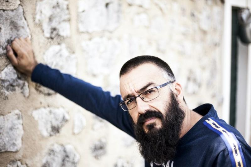 Antonio Bratoš ima novi single kao soundtrack za nadolazeći val korone..!